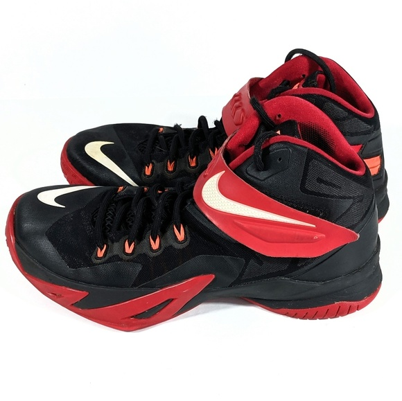 the best attitude 191df 996f1 Nike LeBron Soldier 8 Basketball Shoes Size 11